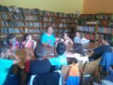 """Децата от лятната група към ЦПЛР в Детската лятна читалня в Библиотеката при НЧ """"Съгласие 1869 г."""" гр. Тетевен"""
